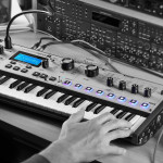 VIDEO – MORODERNOVA DE NOVATION, EL SINTE SIGNATURE DE GIORGIO MORODER
