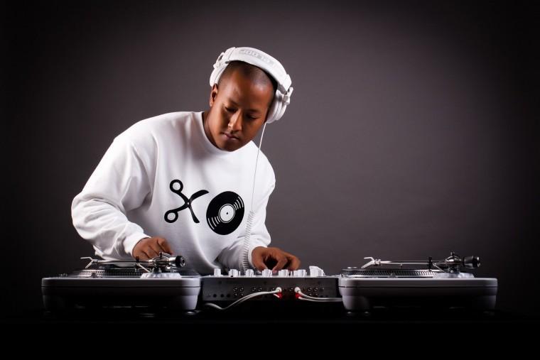 ¿VALE LA PENA HACER UN CURSO DE DJS PARA APRENDER?