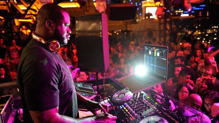 SHAQUILLE O'NEAL EN TOMORROWWORLD COMO DJ DIESEL