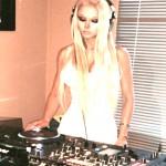 LA «BARBIE HUMANA» EMPIEZA SU CARRERA COMO DJ