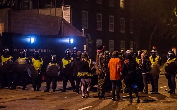 Ravers y Policias en Londres