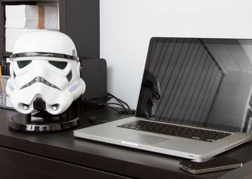 star-wars-audio-system-gold-plated-C3PO-stormtrooper-heads-designboom-07