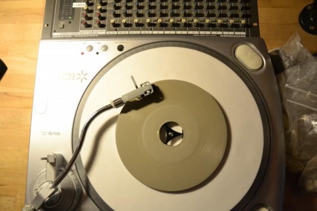 Beton-Schallplatte-BAMRadioInterview4-640x426