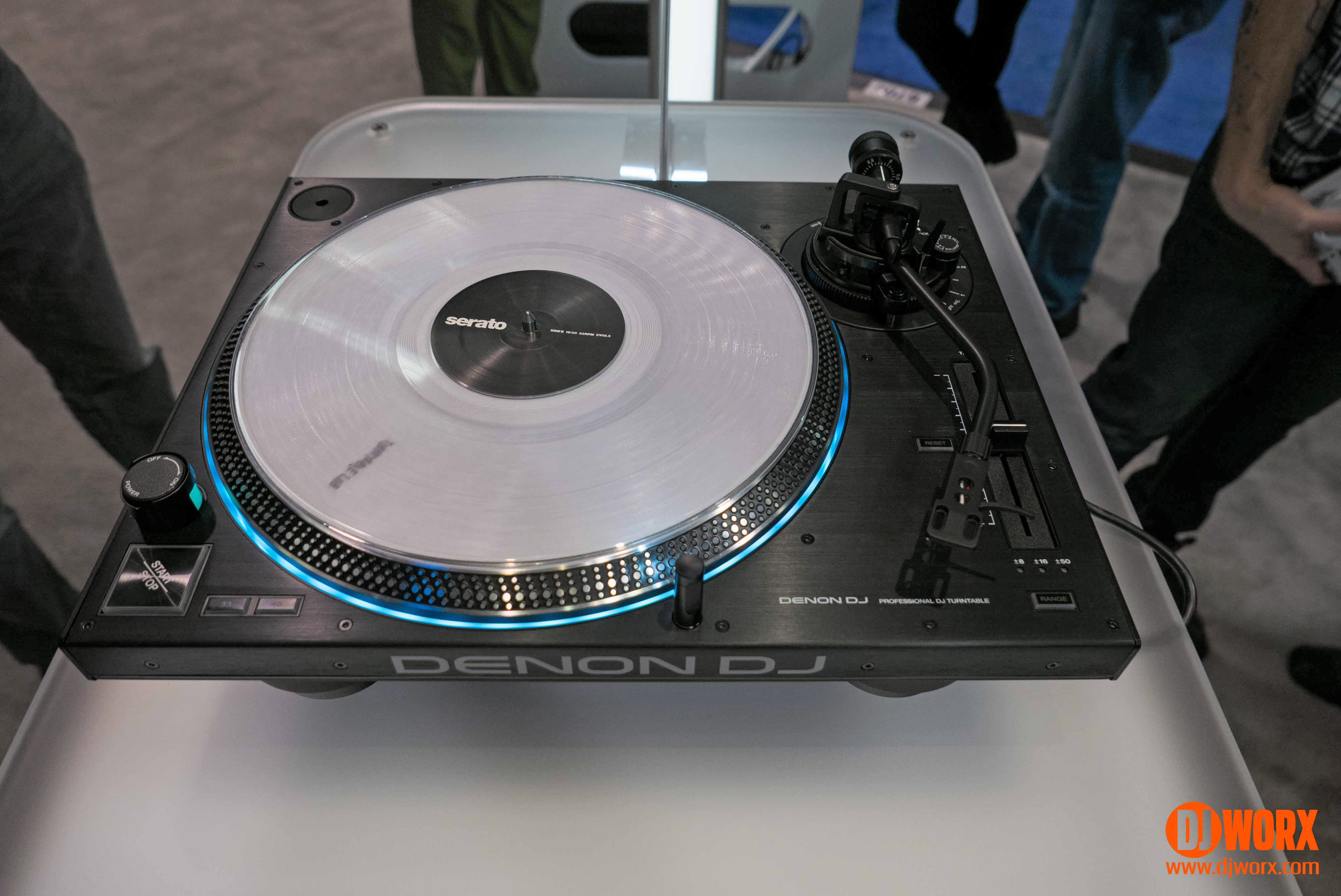 Denon VL 12 fuente www.DJWorx.com