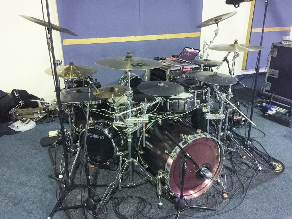 pendulum-drum-kit-1024x768