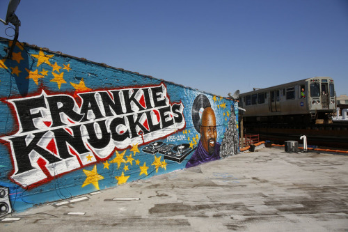 A mural honoring the house music legend Frankie Knuckles is viewed Friday, June 6, 2014 along the CTA Blue Line at 2950 W. Fullerton Ave. in the Logan Square neighborhood. (Chris Walker/Chicago Tribune)  B583783822Z.1 -frankie-knucklesmural-met-0607 ....OUTSIDE TRIBUNE CO.- NO MAGS,  NO SALES, NO INTERNET, NO TV, CHICAGO OUT, NO DIGITAL MANIPULATION...
