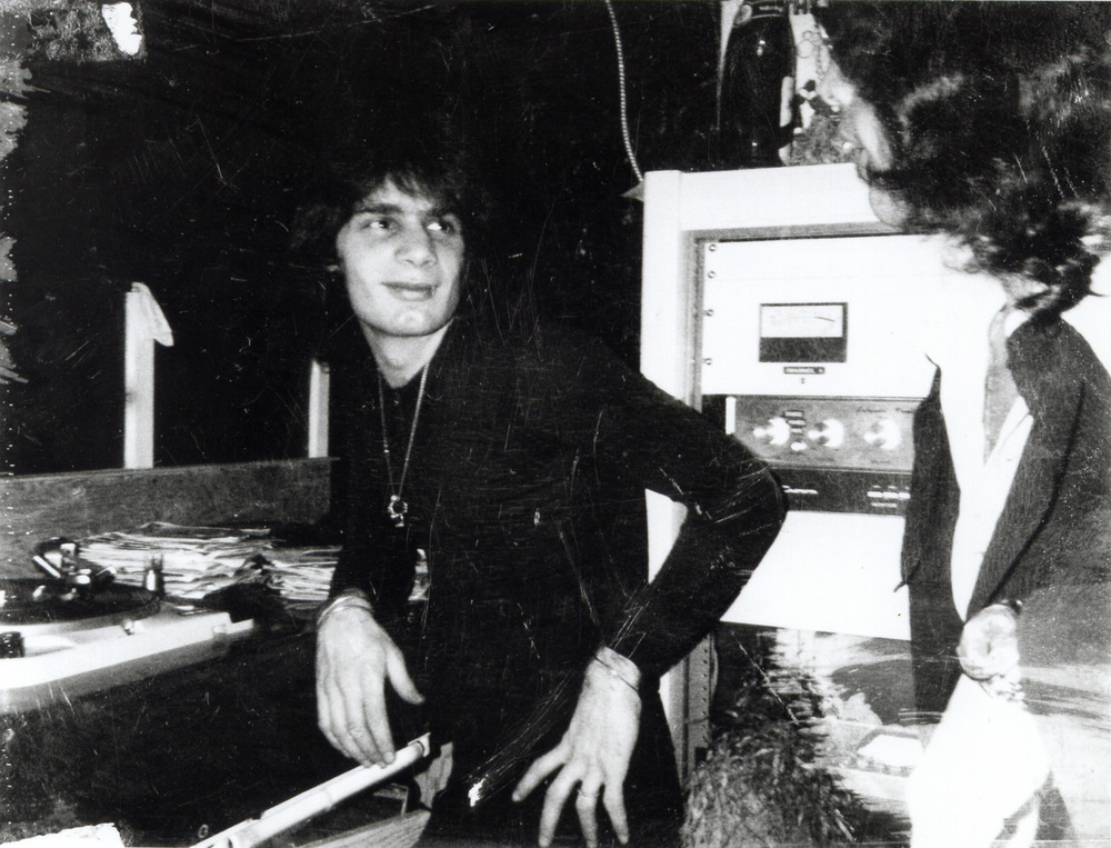 Un joven Francis Grasso, inventor del beatmatching