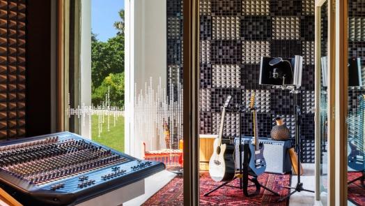 Music-Studio-Voice-Room-1600