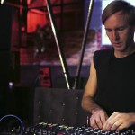 "VIDEO – RICHIE HAWTIN PRESENTÓ EL NUEVO MIXER ""PLAYDIFFERENTLY MODEL 1"""