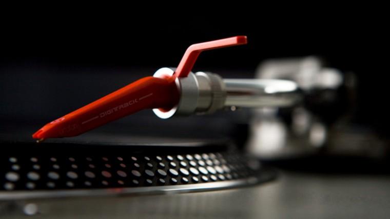 CONOCE 5 EXCELENTES AGUJAS PARA DJ SEGÚN DUBSPOT