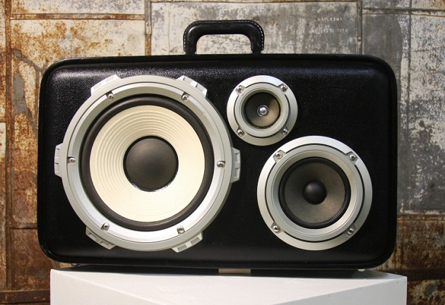 Case-Of-Bass-Vintage-Suitcase-Boombox-2