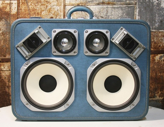 Case-Of-Bass-Vintage-Suitcase-Boombox-4