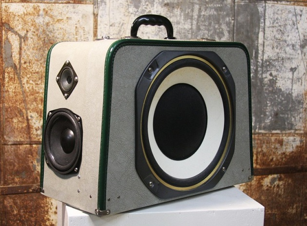Case-Of-Bass-Vintage-Suitcase-Boombox-5