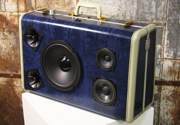 Case-Of-Bass-Vintage-Suitcase-Boombox-7