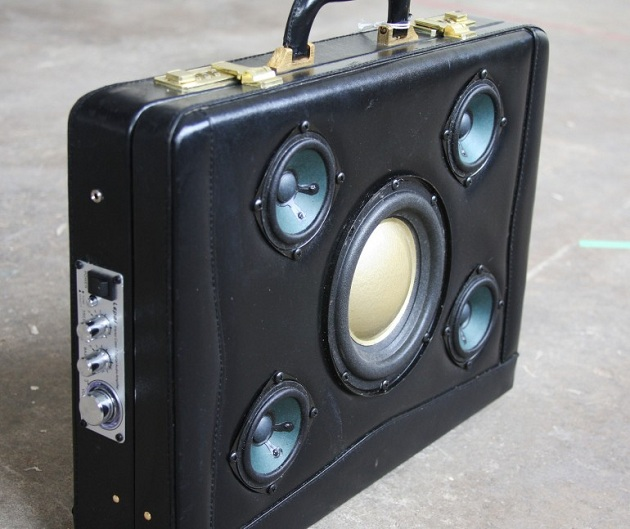 Case-Of-Bass-Vintage-Suitcase-Boombox-8