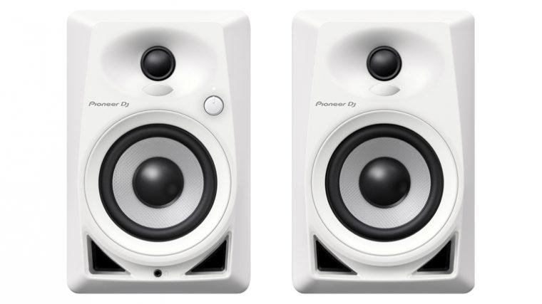 PIONEER DJ DEVELÓ SUS MONITORES DE ESCRITORIO «DM-40-W»