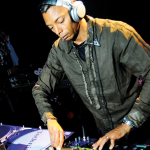 VIDEO – JEFF MILLS PREPARA SOUNDTRACK DE «LE VOYAGE DANS LA LUNE»