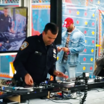 VIDEO – MIRA A ESTE OFICIAL DE NEW YORK HACIENDO SCRATCH