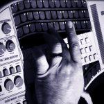 VIDEO – CONOCE AL SINGULAR INSTRUMENTO «SUZUKI OMNICHORD»