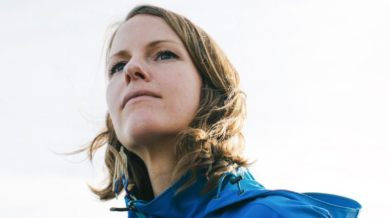AUDIO – KAITLYN AURELIA SMITH REALIZA REMIX DEL COMPOSITOR ROGER GOULA