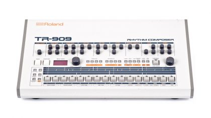 VIDEO – BEHRINGER DESARROLLA DRUM MACHINE ANALÓGICO INSPIRADO EN LA TR-808 Y 909