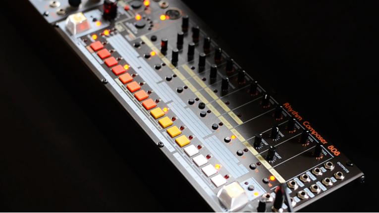 El System 80 -808 está diseñado como un módulo eurorack.-