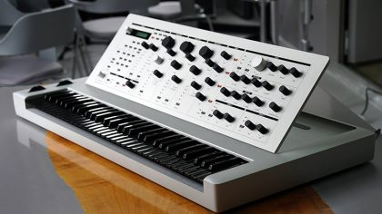 "VIDEO – EL ""20 SYNTHESIZER"" ES DE EDICIÓN LIMITADA Y YA ESTÁ DISPONIBLE"