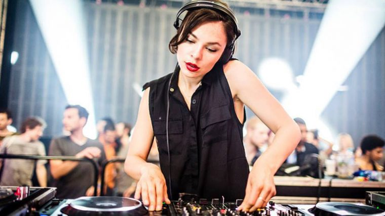 AUDIO – NINA KRAVIZ LANZA EDICIÓN EXCLUSIVA DE «YOU ARE WRONG»