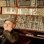 Video – Junkie XL con su pared de sintes modulares