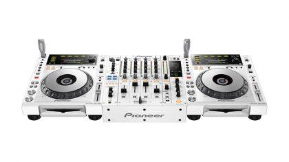 El Pioneer DJ CDJ-2000NXS12 y DJM-900NXS2 ahora en color blanco