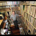 Conoce a Gavin Godbold y su colección de 600 mil discos