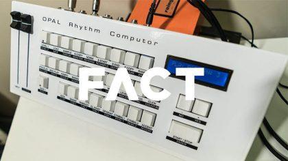 DMX Krew muestra su Opal Rhythm Computor Drum Machine