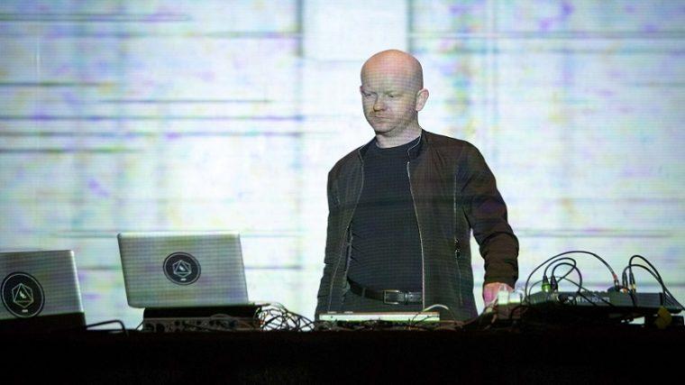 Atom™ colabora con el cantante Lisokot en un EP para el sello Byetone Raster