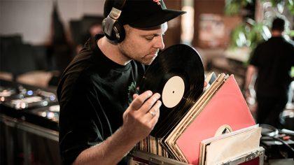 Dj Shadow estará vendiendo partes de su colección personal de discos