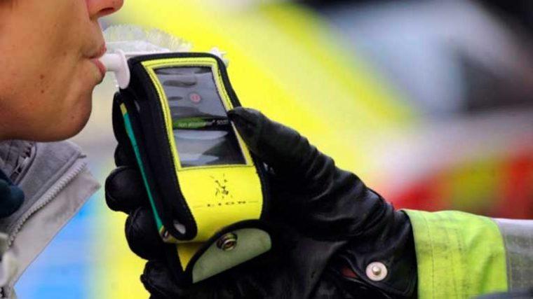 Festival aplica prueba de alcohol a conductores