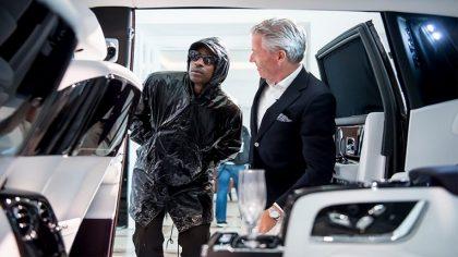 Skepta realiza un track dentro de un Rolls-Royce