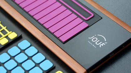 Un controlador MIDI de superficies intercambiables