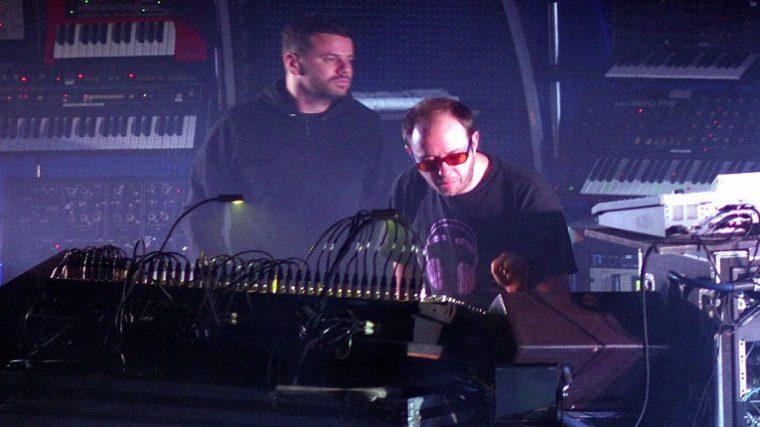 The Chemical Brothers hará presentación en un observatorio