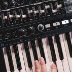 Conoce al MiniBrute 2 de Arturia, un nuevo sintetizador análogo y semi-modular - DJPROFILETV