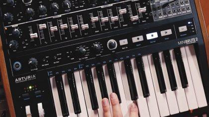 Conoce al MiniBrute 2 de Arturia, un nuevo sintetizador análogo y semi-modular