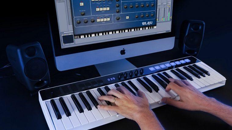 iRig Keys IO, equipo dos en uno: controlador MIDI + Interface de Audio