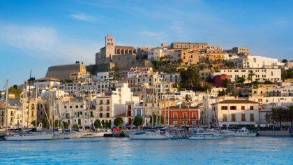 Ibiza restringe severamente a Airbnb