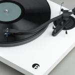 Pro-ject presenta un nuevo turntable con brazo en »S» especial para audiófilos