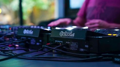 Dj School Chile celebra el día Internacional del DJ como corresponde