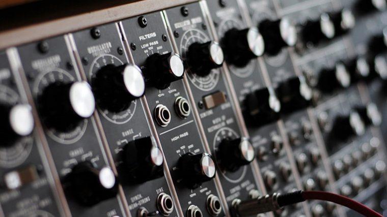Moog lanza su disquera «Moog Recordings Library»