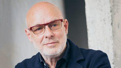 Aeropuerto de Londres suena disco de Brian Eno en loop