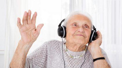 La música une regiones del cerebro separadas por el Alzheimer