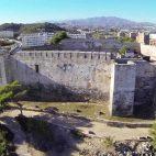 Un rave en un castillo medieval en el Mediterráneo