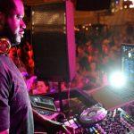 Disco tuvo que reconstruir su cabina de DJ para que Shaquille O'Neil pudiera tocar