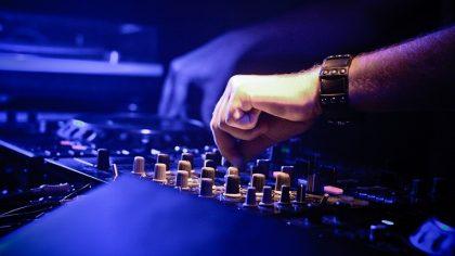 ¿Cómo cotizar tus servicios de DJ?